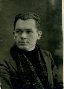 Олегов-артист-драмтеатра